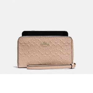 NWT Coach Signature Debossed Patent iPhone Wallet
